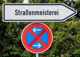 Straßenmeisterei Schild
